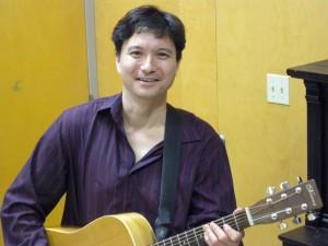 Gordon with Guitar